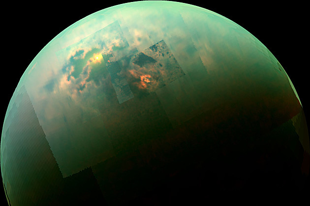 Sunlight reflecting off of Titan's Hydrocarbon Sea. Image: JPL/NASA/University of Arizona